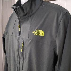 Mens M North Face windwall jacket!